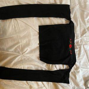 CUTE off shoulder rose shirt 🌹 NWOT